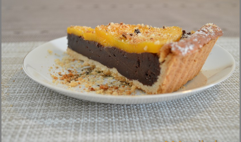 Chocolate pie with mango