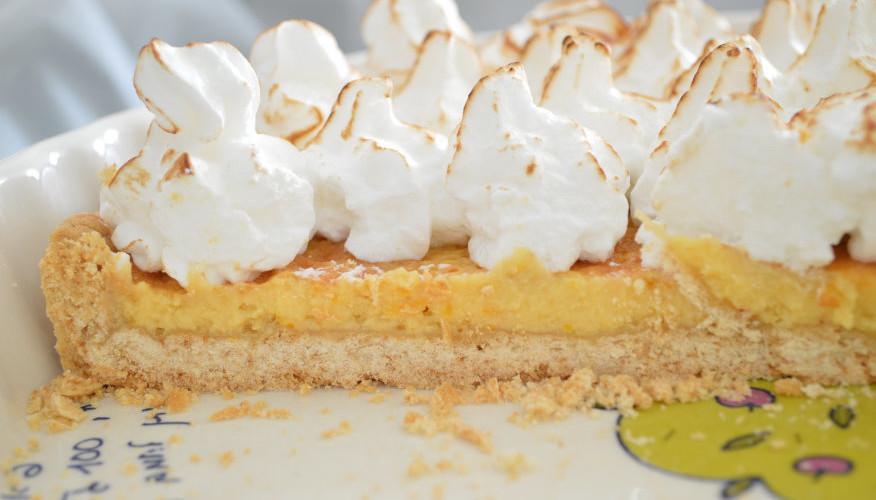 Limon tart with milk