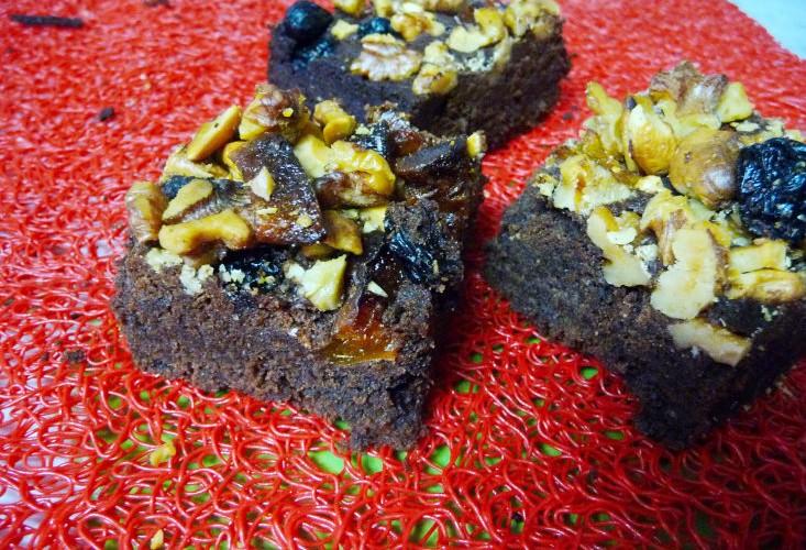 Брауни с сухофруктами и орехами
